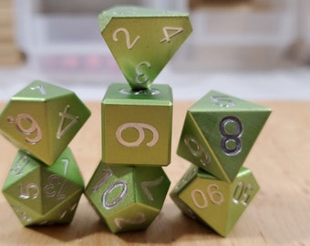 Zucati Dice EleMetal™ Aluminum Polyhedral Set of 7 - Grass Green