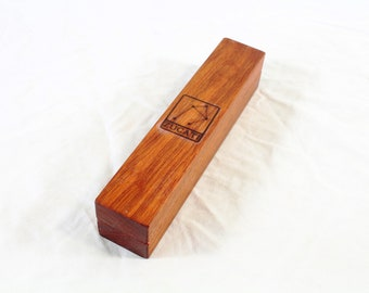 Zucati Dice Base™: Dice Base 3/4 - Bloodwood