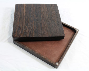 Zucati Dice Base™: Player Core- Wenge with Brown Leather
