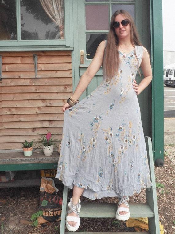 small medium 1990s pastel wildflower maxi dress 90s vintage clothing women cottagecore floral button front dress