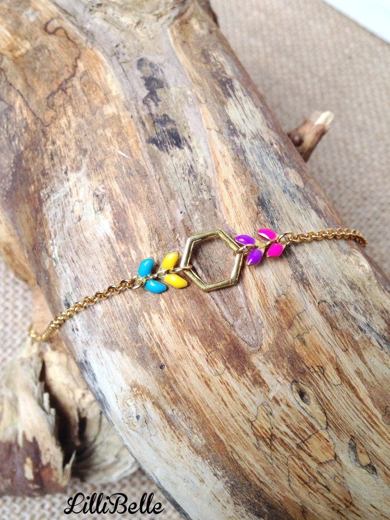 Fine bracelet geometric minimalist handmade jewelry gold plated and enamel: hexagon and chain ear-gold