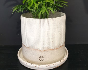 Large stoneware ceramic planter with saucer