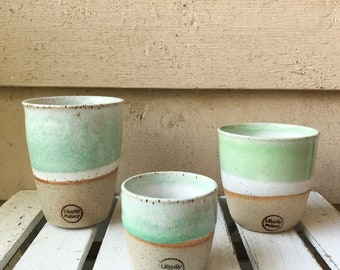 Handmade ceramic travel cup/tumbler green and white - gifts for her - gifts for sister - gifts for mum - modern decor - latte cup - keep cup