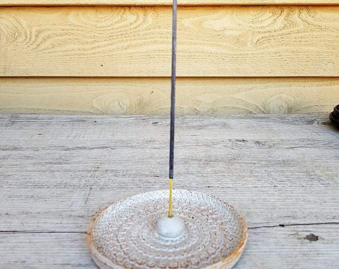 Handmade ceramic incense holder with pattern inlay - round - white - gifts for her - gifts for home - gifts for mum - made in australia