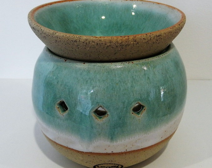 Stoneware Two-Piece Oil Burner in green and white - gifts for her - gifts for Christmas - boho decor - handmade ceramics
