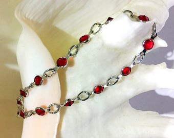 Stunning Bracelet of Rhodium Brushed Chain with Swarovski Elements Encased as Connectors