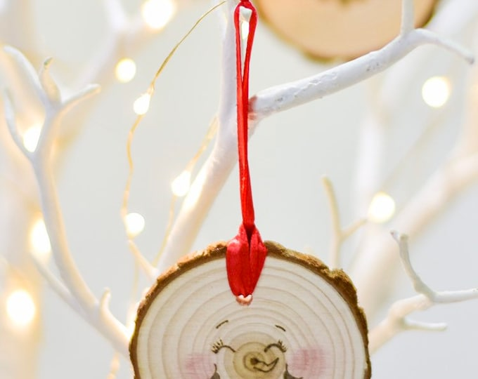 Rosey Cheeked Snowman Face Tree Ornament (eyes shut).