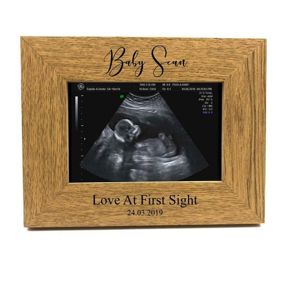 ukgiftstoreonline New Baby Pregnancy Scan Wooden Photo Frame Personalised Auntie Gift 4 x 6 Inch