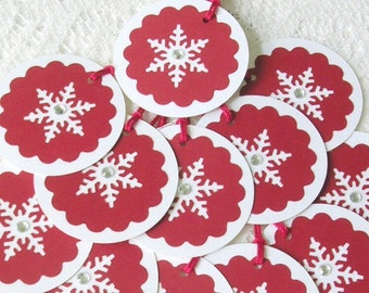 Christmas Gift Tags Handmade - Holiday Tags - Snowflake Tags - 10 Red White Round Tags - Snowflake Favor Tags Wedding - Christmas Gift Wrap