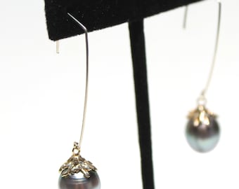 Tahitian pearl earrings in solid 14K yellow gold-Free expedited shipping!
