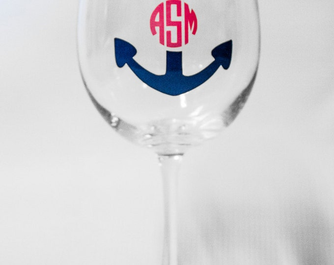 Personalized Navy and Pink Anchor Circle Monogram Wine Glass, Chevron, Trendy, Great gift, Wine Lover, Summer, Beach, Lake