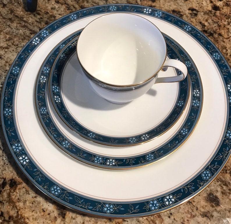 Oscar de la Renta 4 piece Place Setting  Aviance Blue Bone China