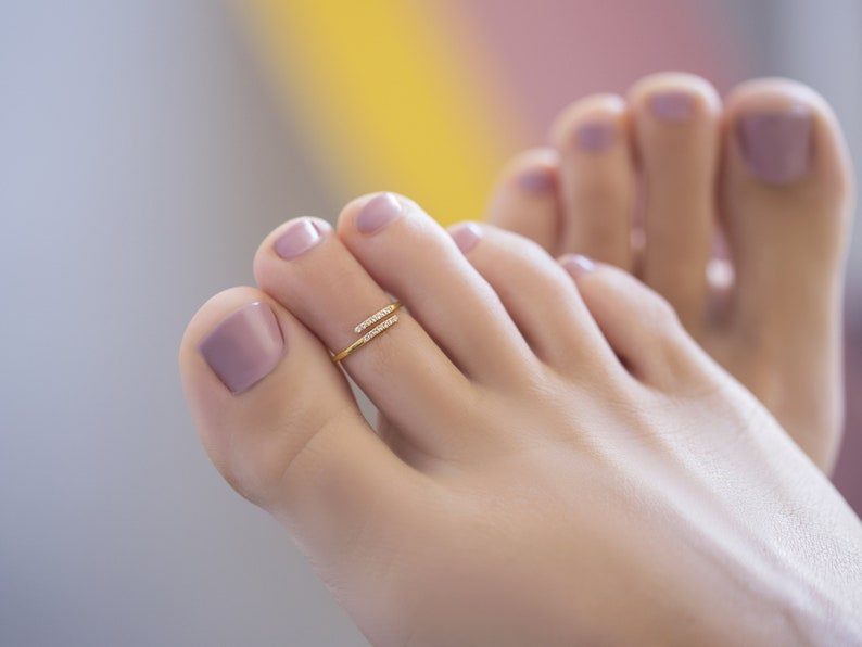 Two toe rings meaning
