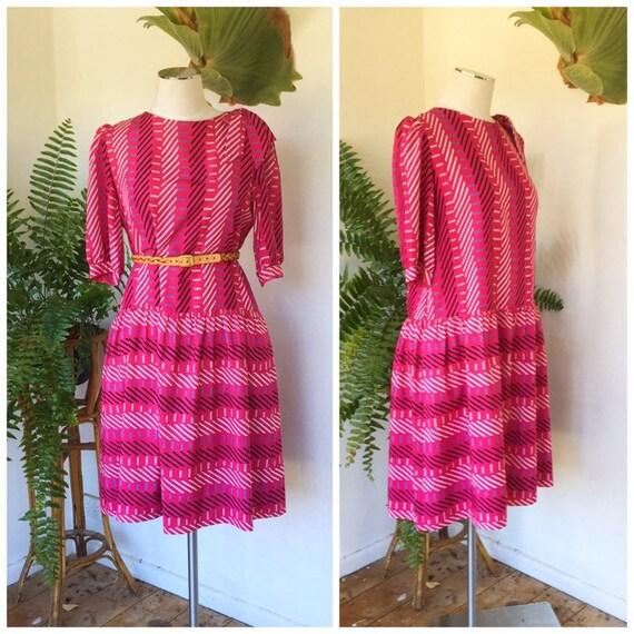 80s hot pink stripe dress geometric black white pu