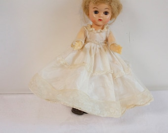 Vintage 1950s white Lace Wedding Dress for Ginger by Cosmopolitan Doll Co
