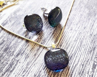 Dichroic jewellery set made with purple dichroic glass - clip on earrings and pendant