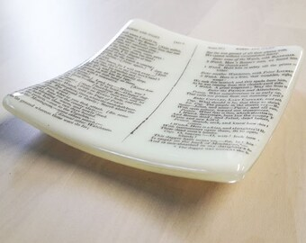 Fused glass trinket dish with text from Shakespeare's Romeo and Juliet