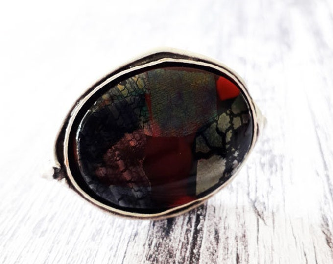 Red & black ring in cast glass and antique silver setting