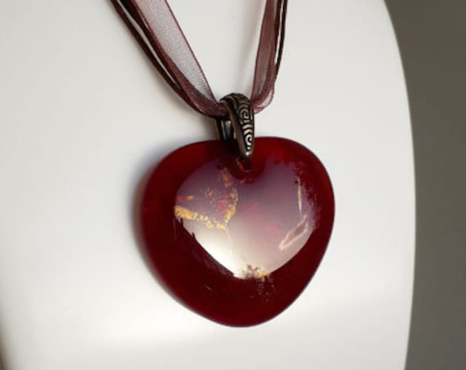 Red heart pendant, made from transparent red cast glass