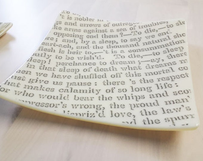 Fused glass dish with text from Shakespeare's Hamlet