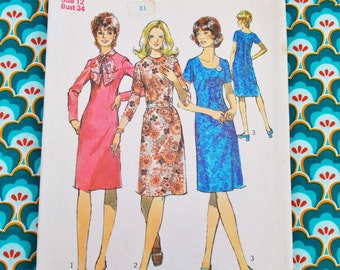 """Simplicity Sewing Pattern - 1972 - Woman's one-piece dress with three necklines - Size 12 bust 34"""" - Mpn 9907 - Used and complete"""