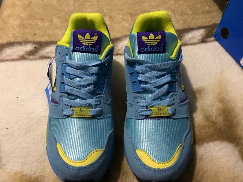 pretty nice 63146 974ae Adidas ZX 8000 , US 7 , yELLOW pURPLE torsion vintage new footwear