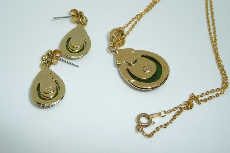 Vintage Designer Signed LP Gold Tone Green Stone Rhinestone Crystal Necklace Earring /& Earring Set