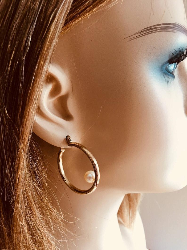 Solid 14k with Freshwater Pearls Hoop Earrings Vintage 1980s