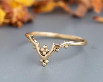 Unique Women's Ring, 14k Gold Ring, Boho Wedding Ring, Boho Stacking Ring, Alternative Wedding Ring, Crown Ring, Chevron Ring,Thin Ring Gold
