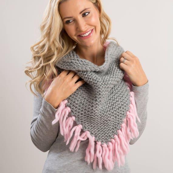 Kit de tricot écharpe. Apprendre à tricoter un triangle. DIY   Etsy 93af41fbcb5
