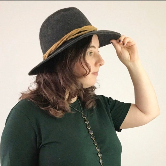Vintage 70's boho Wool/Felt Fedora Hat with twist… - image 2
