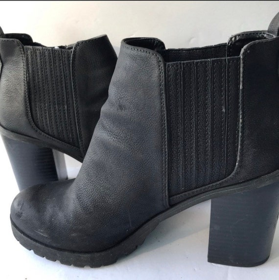 90's Ankle Boots/Booties; vintage boots size 8/8.5 - image 2