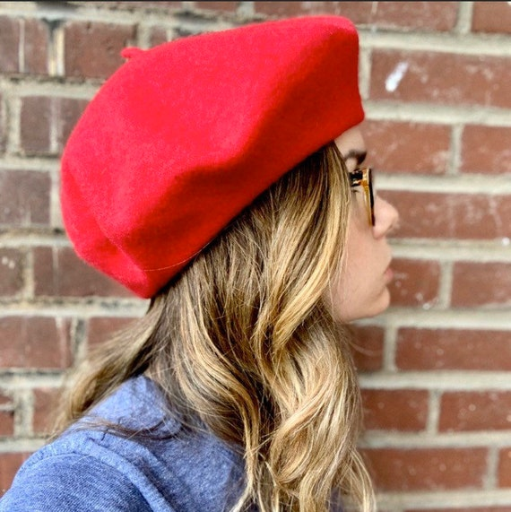 Vtg Red Beret; women's vintage Cherry Red French G