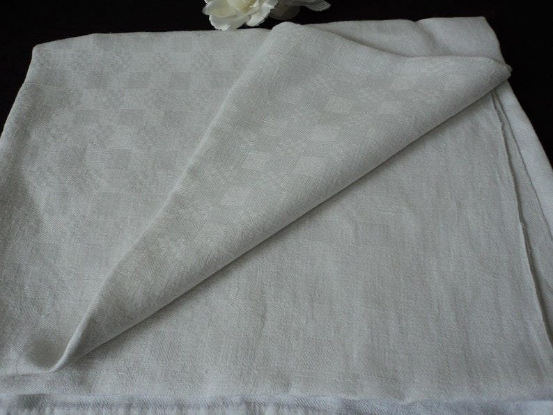 Etsy & French vintage white damask table cloth (06072)