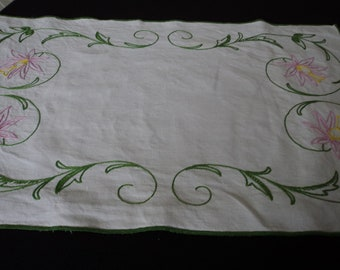 Vintage French hand embroidered white linen doily / tray cloth (11594) U
