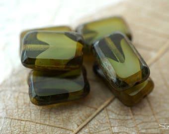 10pcs Mint Green Czech Glass Maple Leaf Beads 13x11mm Jewellery Supplies GB248