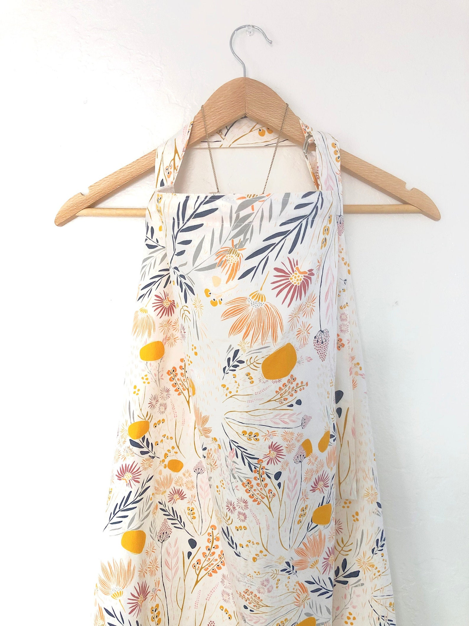 Cream Floral Wire Nursing Cover/ Neutral Breastfeeding Cover