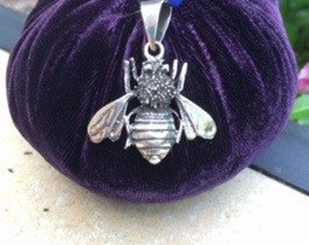 Sterling Silver bumble bee pendant
