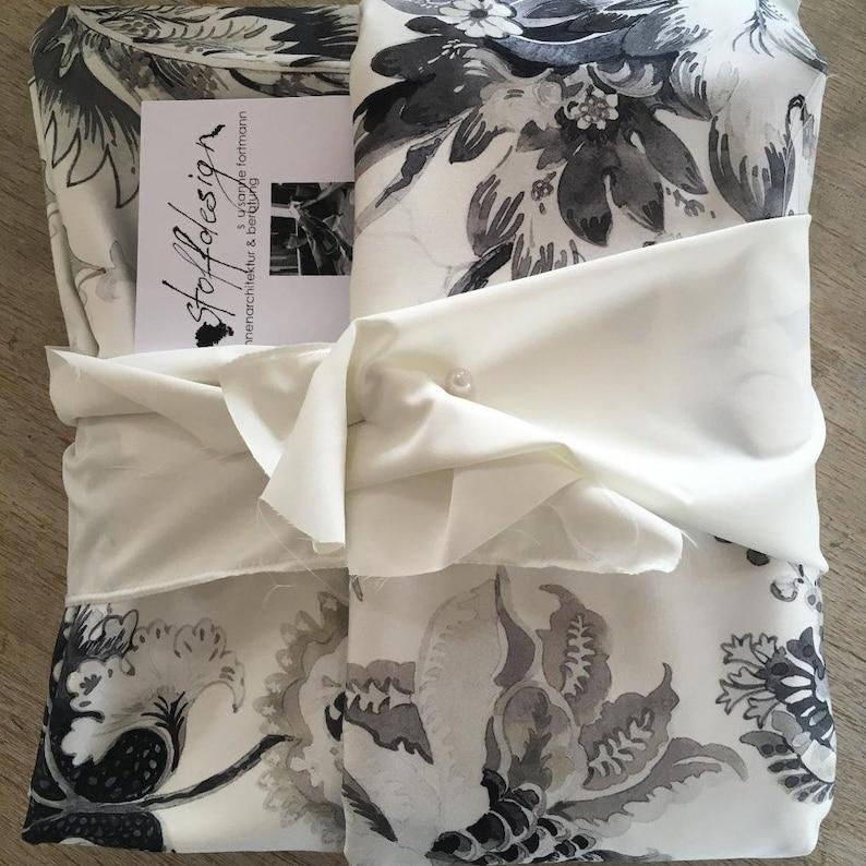 Outlet/% Meterware Floresca Cotton White Ranken Grey fabric tissu Flowers curtain ri\u0175JAB