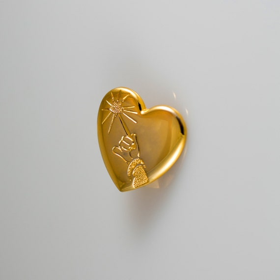 Brooch Disney Pin Mickey Arm & Wand Gold Heart Var