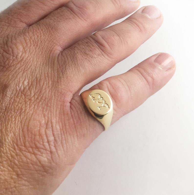 Gold-Siegelring Herren Ring am kleinen Finger individuelle