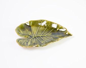Soap dish, Ceramic Bowl, Ceramic Leaf, Handbuilding Techniques, Gift, Ceramic dish, Bathroom Decor, Green Soap Dish, Ceramics and Pottery