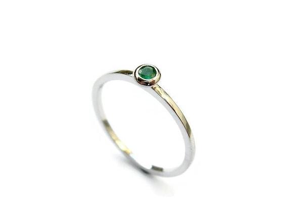 Weissgold Smaragd Ring Zierliche Gold Ring Grunen Stein Etsy