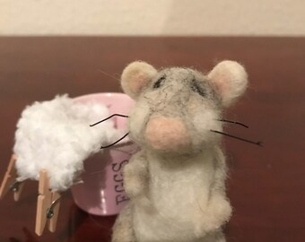 Mouse with blanket , bucket and pegs. Needle felted soft sculpture . Display ornament.