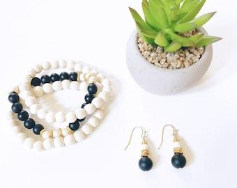 Bracelet and Earrings Set -  Wood and Matte Black Onyx