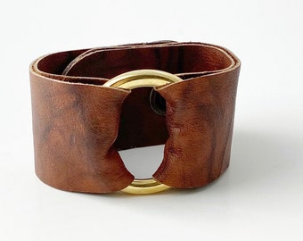 """Ring of Hope Leather Cuff Bracelet in """"Vintage"""""""