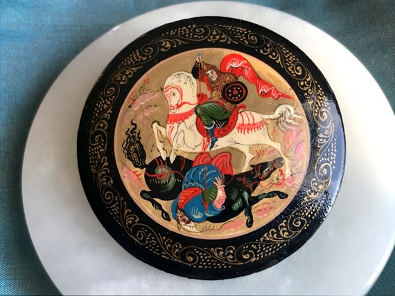 Vintage Russian Lacquer Brooch - Hand Painted - Si