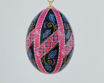 P192R - Purple Holly leaves with Black and Pink , Ornament
