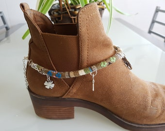 2 ethnic Overboots, with chain and charms, artisan. Model to choose in options