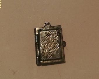 Antique locket - iron or pewter - vintage antique 2 photo locket